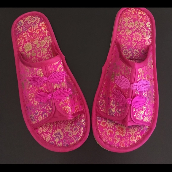 8613150b13d Decorative Asian Style House Slippers. M 5b4cd6380cb5aa6fe112636c